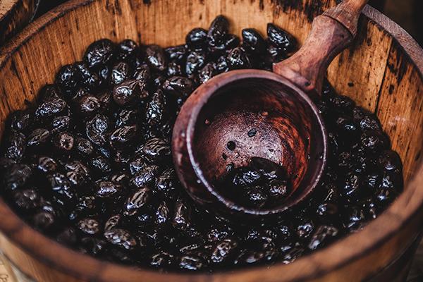Macarons nyonsais aux olives noires de Nyons